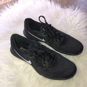 Nike Flex Supreme TR6 tennis shoes